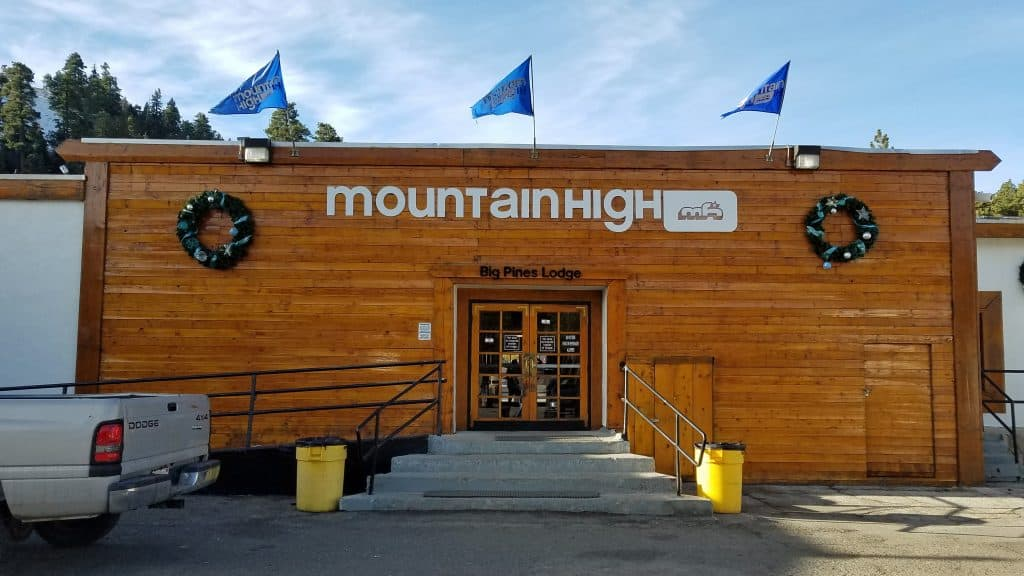 learn to snowboard at mountain high