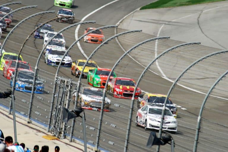 Nascar at the Auto Club Speedway: when racing comes to town!