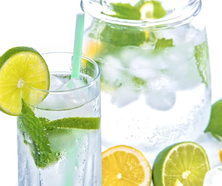 drinking water to stay hydrated on clean eating