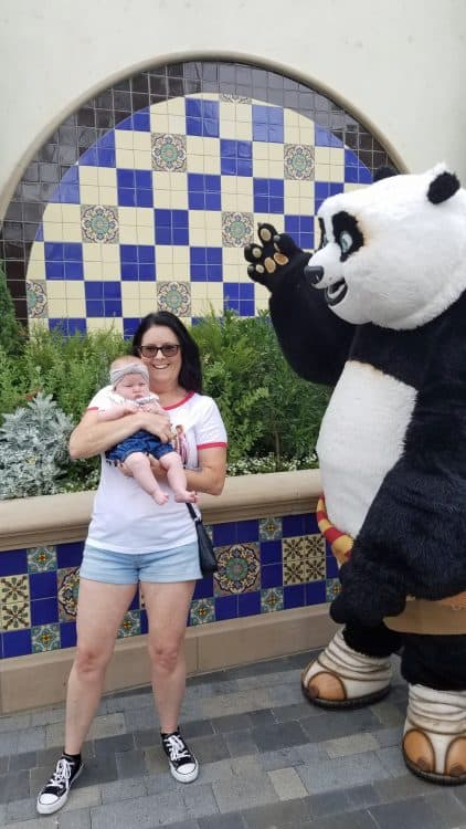 po from kung fu panda at universal studios hollywood