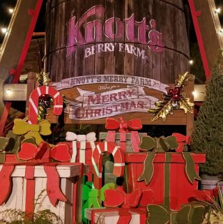 christmas at knott's berry farm