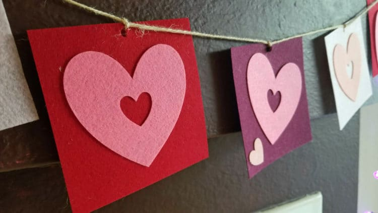 valentine's heart banner craft