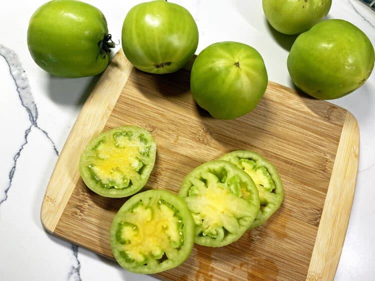 fresh green tomatoes sliced