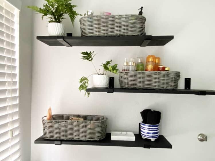 minimalist bathroom design shelves