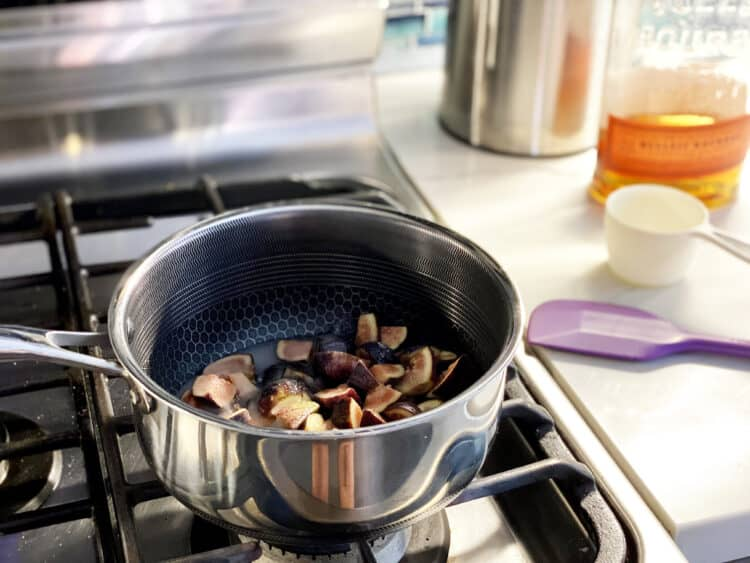 making refrigerator fig jam
