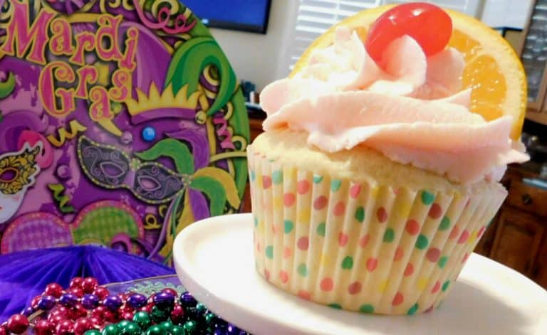 Dangerous Cupcakes Hurricane Style for Mardi Gras